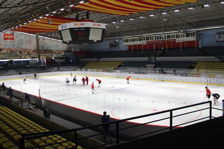Zimní stadion - vnitøní pohled